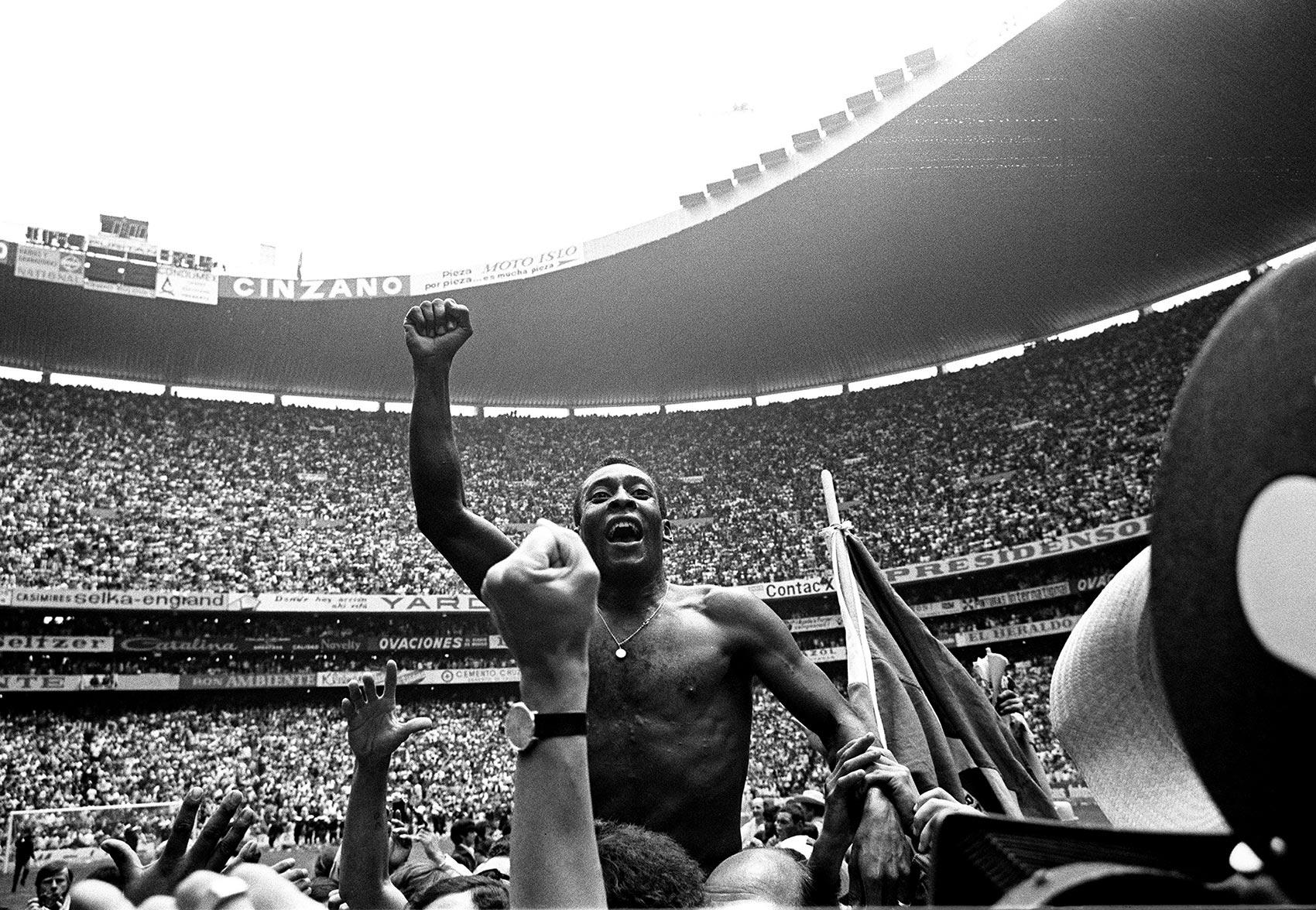 Pelé celebra el Mundial de Brasil 70