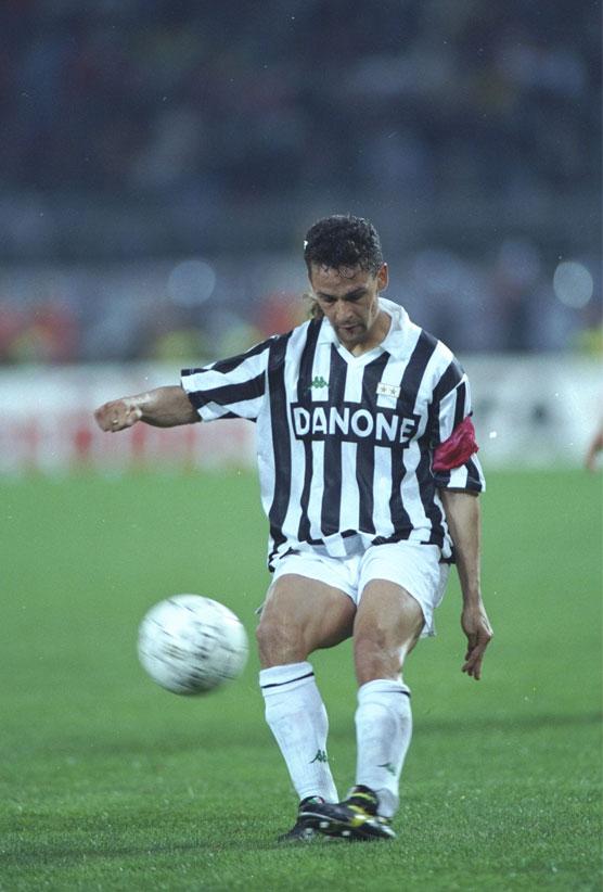 Roberto Baggio en el campo