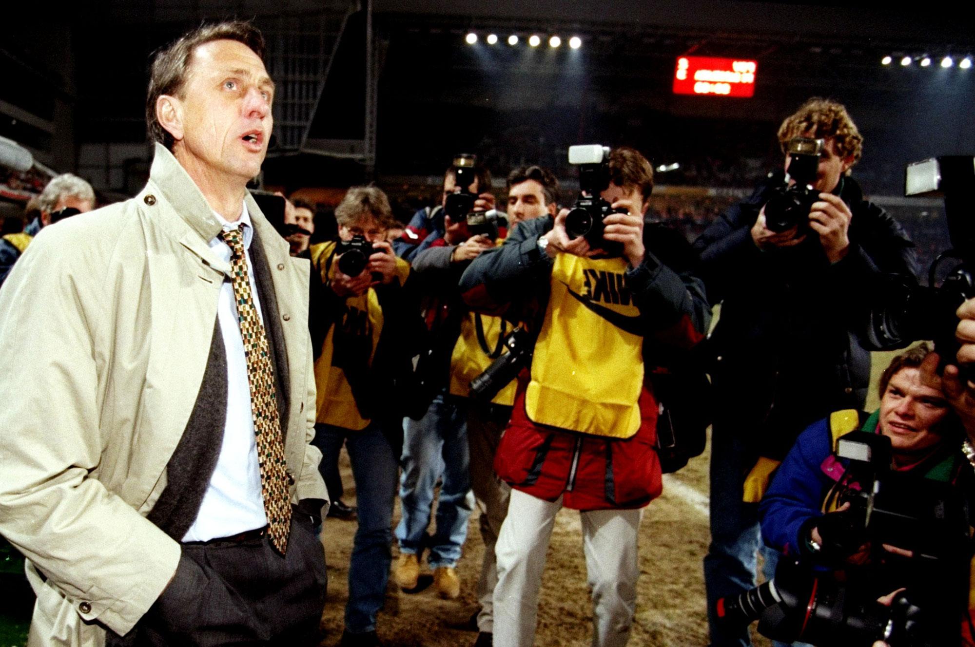 Cruyff entrenando al Barcelona