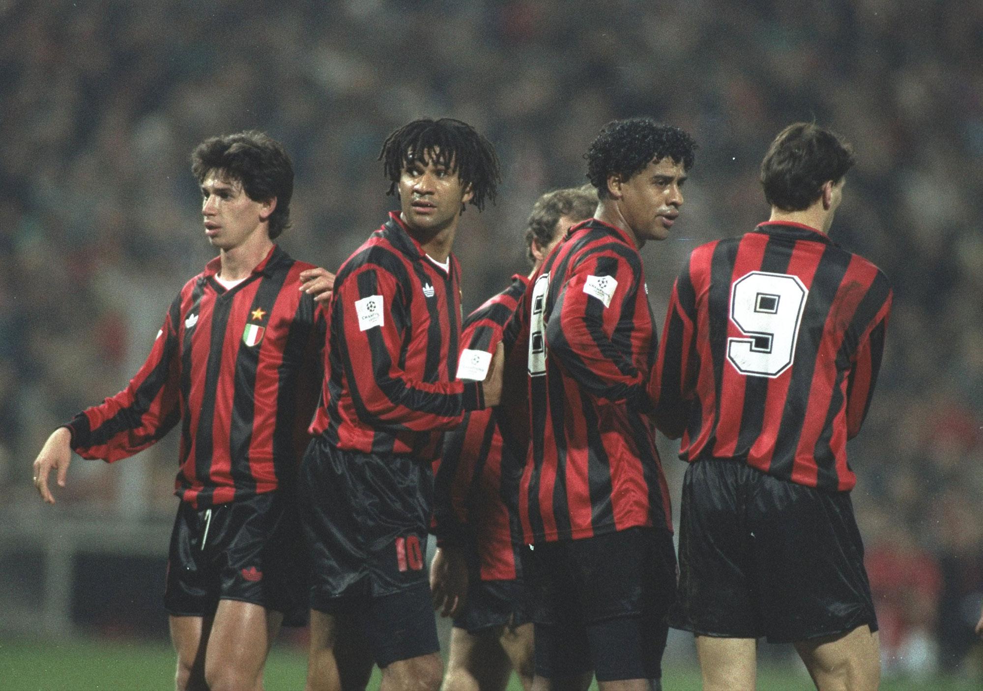 Albertini, Gullit, Rijkaard y Van Basten con Milan