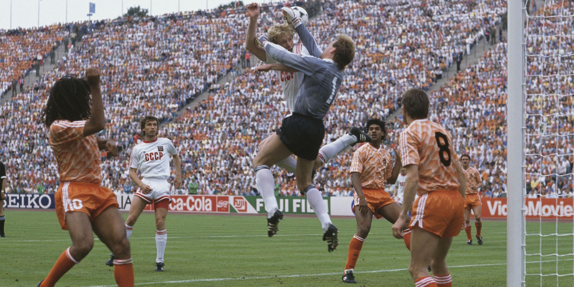 Holanda y URSS en la final Eurocopa 1988