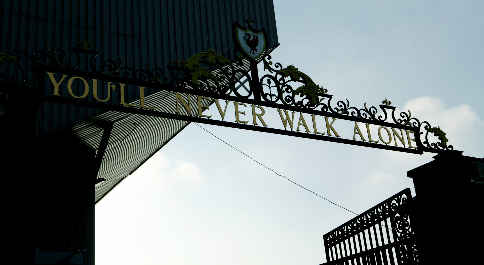 Letrero You Will Never Walk Alone de Anfield Road