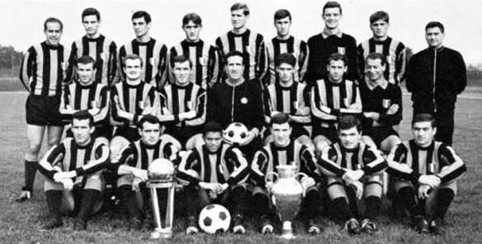 El Inter con la Copa de Europa y la Intercontinental
