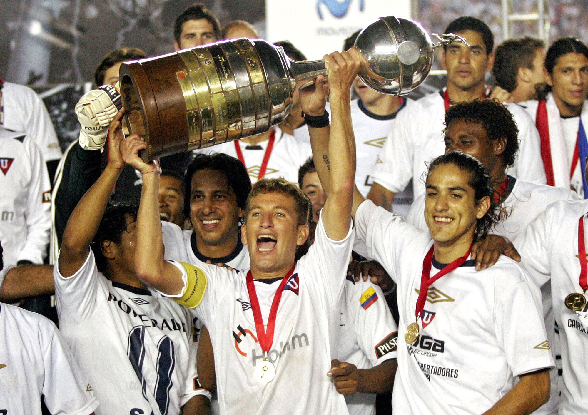 Liga Deportiva de Quito levanta la Copa Libertadores 2008