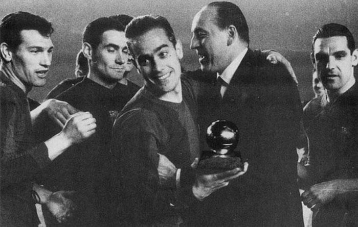 Luis Suárez recoge el Balón de Oro