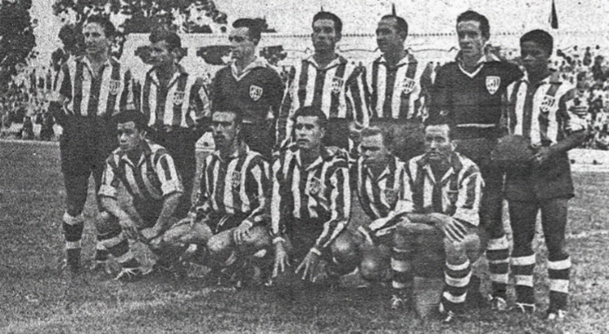 Once con el que debutó en Primera el Atlético Tetuán