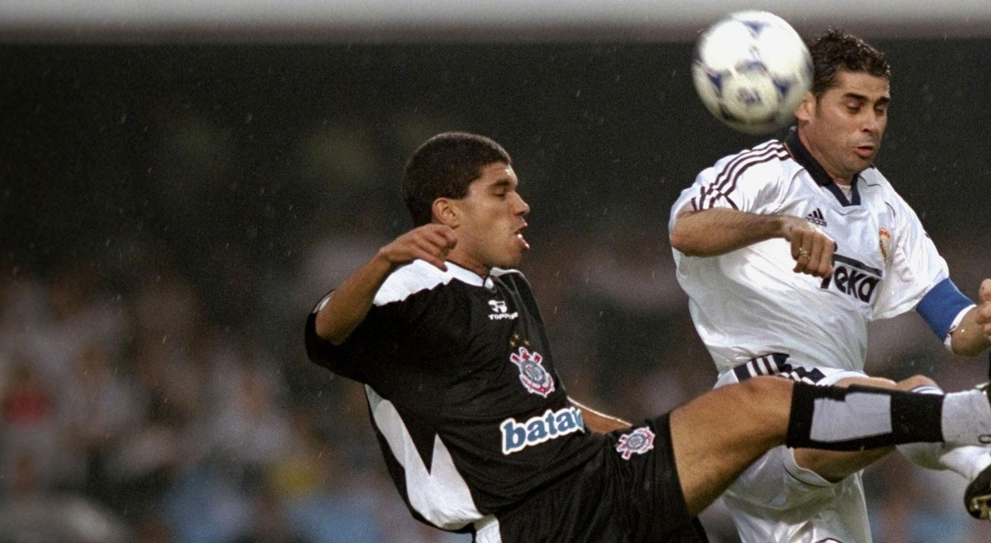 Hierro en el Real Madrid - Corinthians del Mundial de Clubes 2000