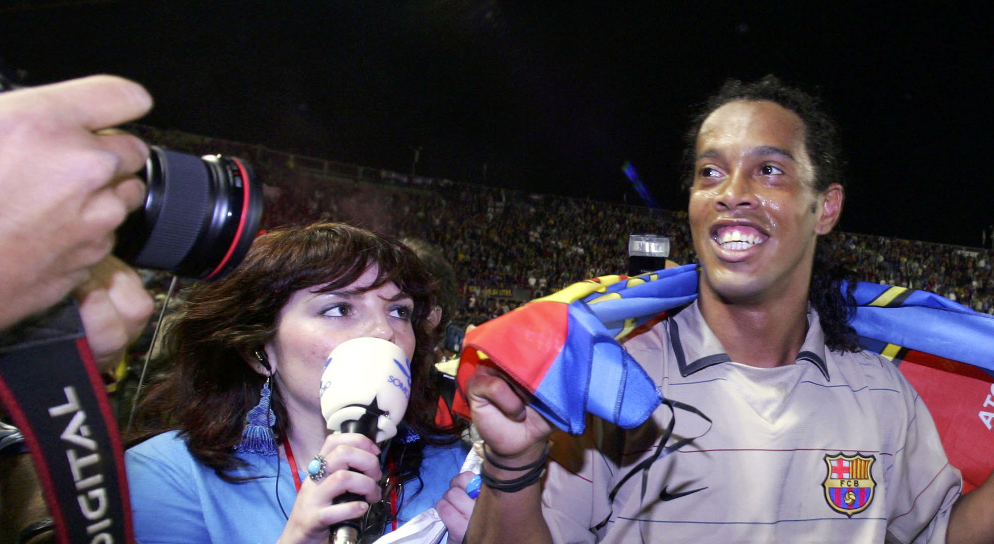 Ronaldinho celebra título de Liga con el Barcelona