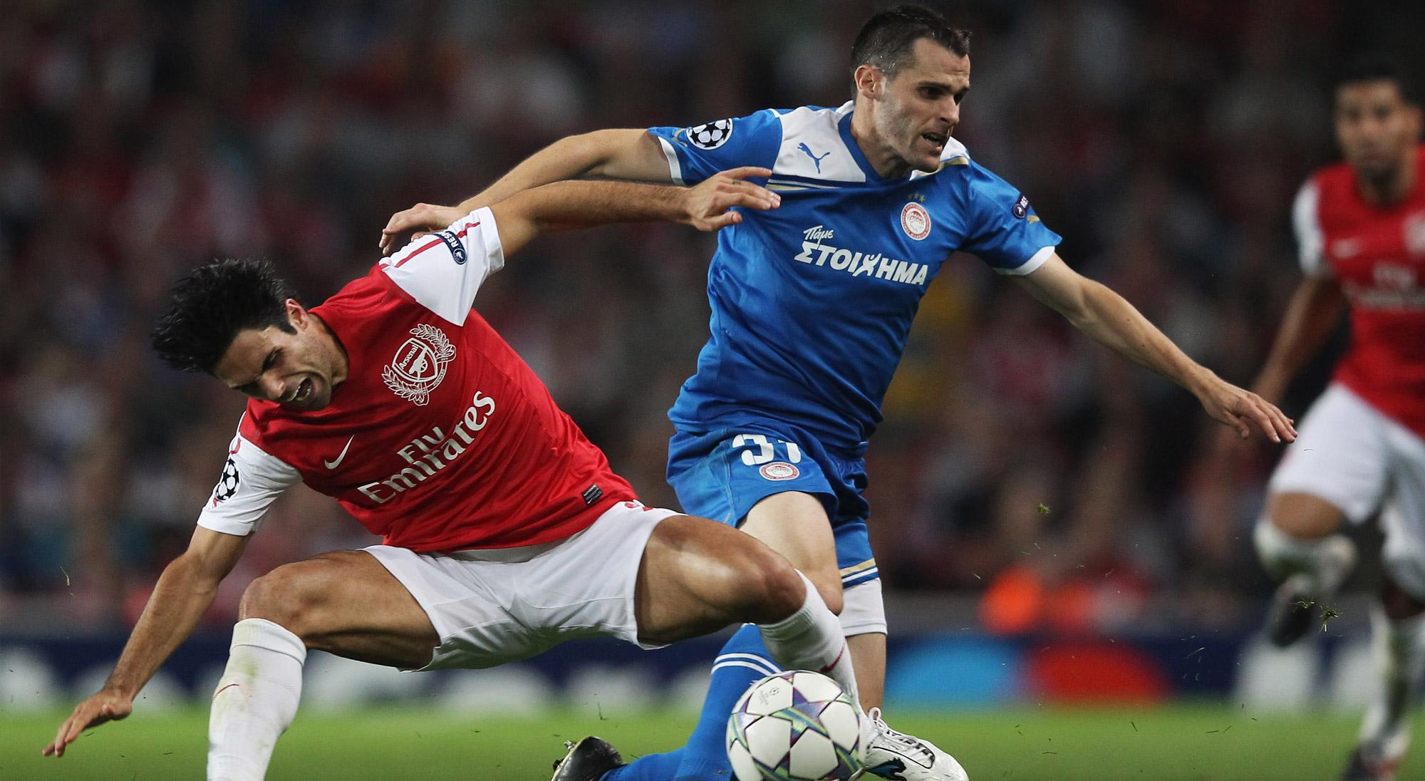 Orbaiz en un Olympiakos - Arsenal