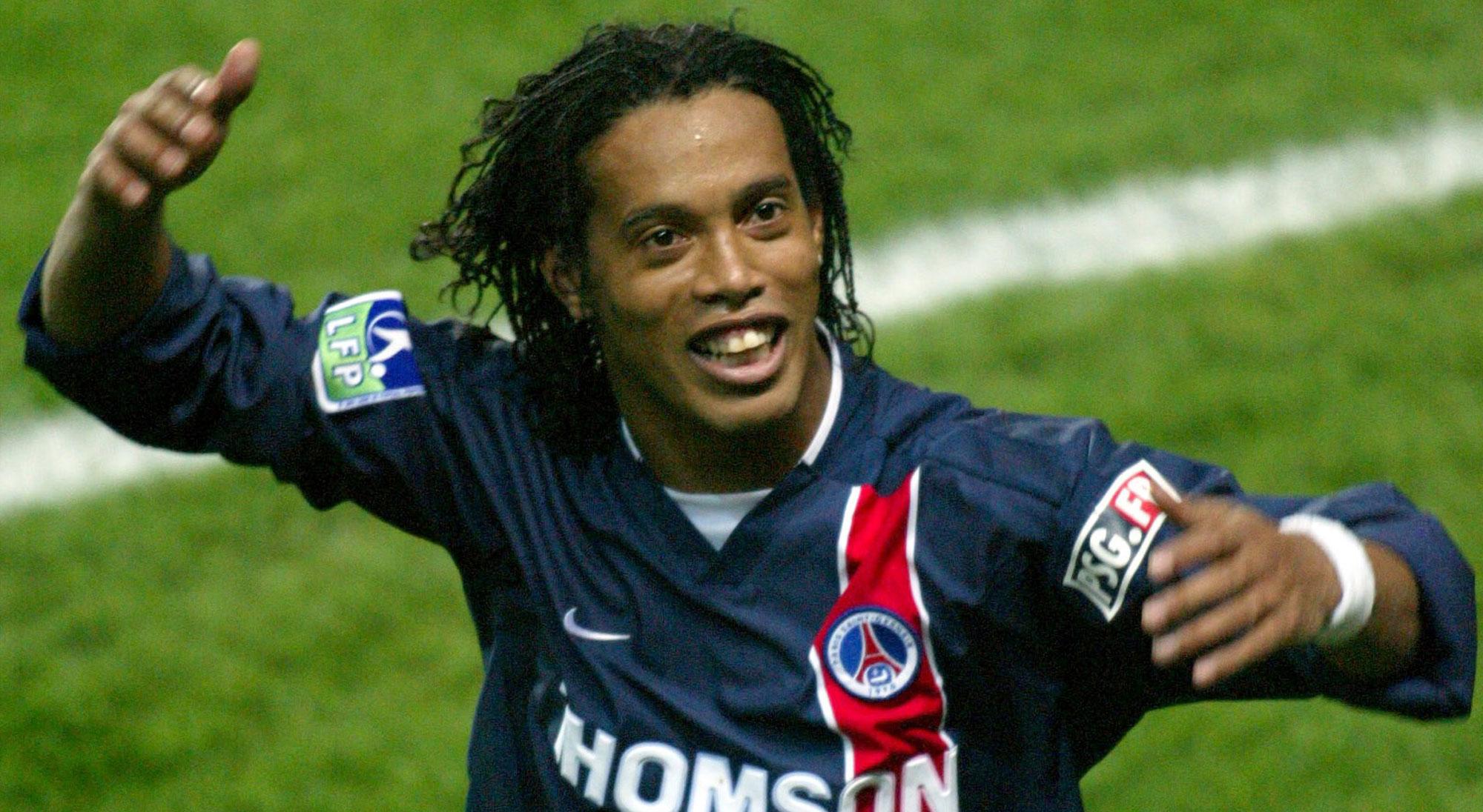 Ronaldinho con el PSG