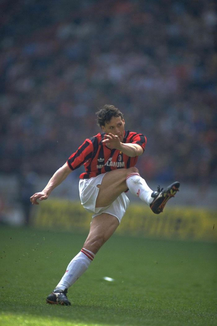 Van Basten con el Milan