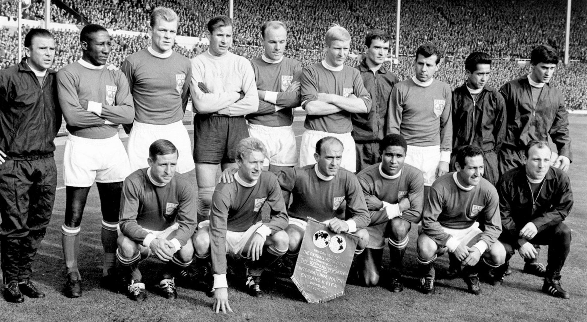 Once del FIFA XI contra Inglaterra en 1963